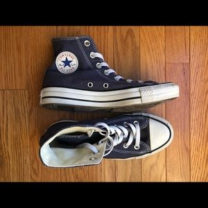 Chuck Taylor's high top converse all star shoes